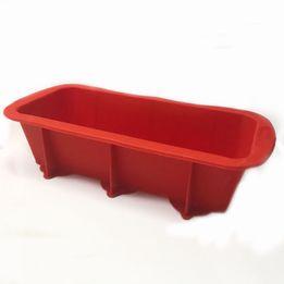 Forma-de-silicone-para-pao-vermelha-28-x-13-x-6-cm---24662
