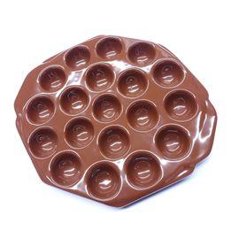 Provolonera-de-ceramica-com-19-cavidades-26-x-22-cm---24888
