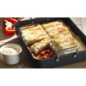 roasted_pepper_cannelloni_35cm_toughened_non_stick_roaster_le_creuset