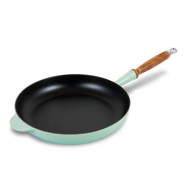 Frigideira-de-ferro-com-cabo-de-madeira-Le-Creuset-cool-mint-28-cm---23574