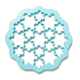 Cortador-de-biscoito-de-plastico-Neve-Lekue-vermelho-235-cm---25734
