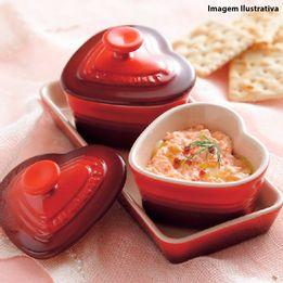 Ramekin-de-ceramica-com-tampa-e-bandeja-coracao-Le-Creuset-vermelho-2-pecas---24285