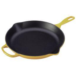 Frigideira-de-ferro-redonda-Skillet-Signature-Le-Creuset-amarelo-soleil-26-cm---26688