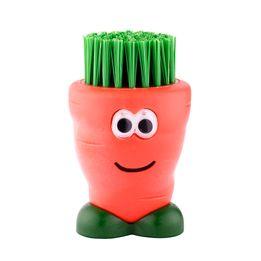 Escova-para-vegetais-de-plastico-Joie-laranja-7-cm---27339