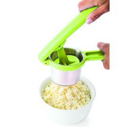 Espremedor-de-batatas-plastico-Joie-color---21180
