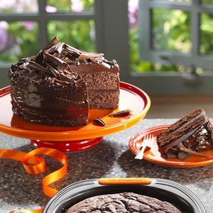 Prato-para-bolo-de-ceramica-Le-Creuset-laranja-30-cm